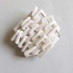 https://www.salondesartsetdufeu.fr/wp-content/uploads/2021/10/C.Marfisi-broche-porcelaine.jpg